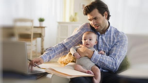 Γονικές παροχές: Αφορολόγητες μεταβιβάσεις εταιριών έως 800.000 ευρώ – Το «Πόθεν Έσχες» παγίδα στα μετρητά
